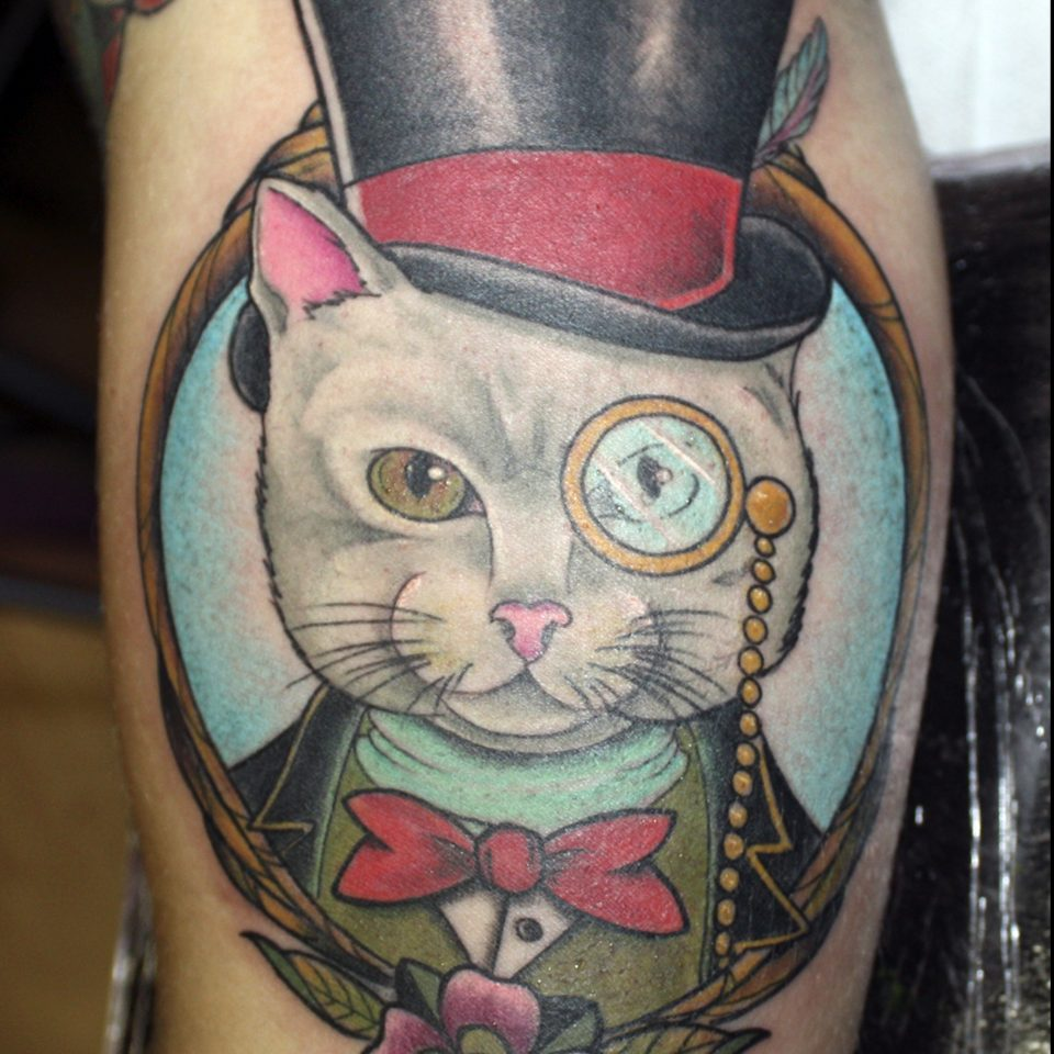 Tattoo gato tracional en color