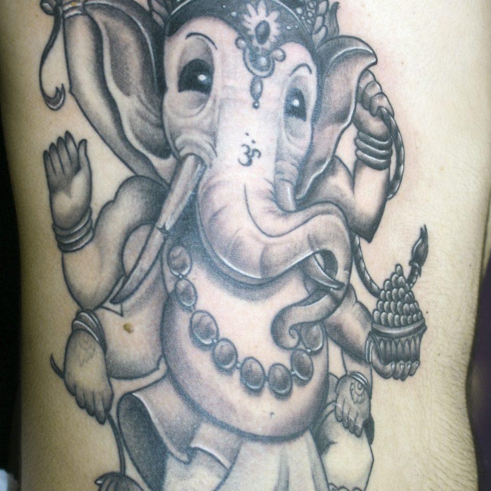 Tattoo realismo ganesha